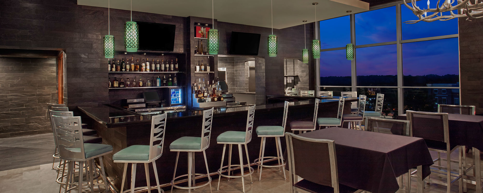 Level 8 restaurant gallery image 01